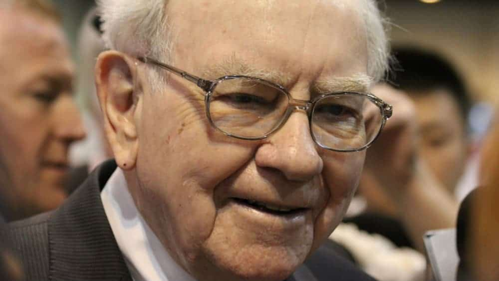 These 3 Warren Buffett-Inspired Stocks Offer Some of Canada's Best Yields